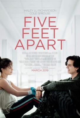 """Afficher """"Five Feet Apart"""""""