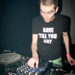 vignette de 'Rave 'till you cry (Bogdan Raczynski)'