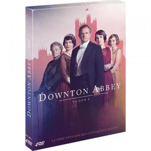"""<a href=""""/node/198908"""">Downtown Abbey - Saison 3</a>"""