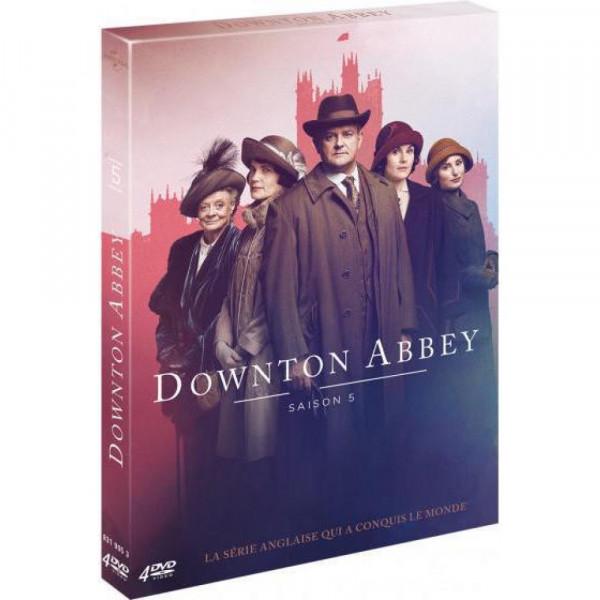 """<a href=""""/node/198909"""">Downtown Abbey - Saison 5 </a>"""