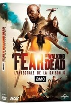 "Afficher ""Fear the walking dead n° 5 Fear the walking dead - Saison 5"""