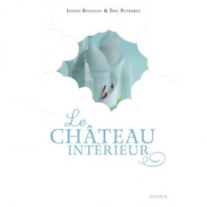 """Afficher """"Le château intérieur"""""""