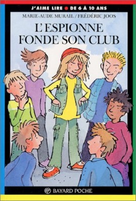 "Afficher ""L'espionne L'espionne fonde son club"""