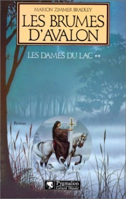 "Afficher ""Le cycle d'Avalon n° 2 Les Brumes d'Avalon"""
