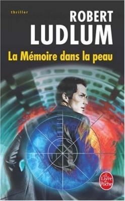 """Afficher """"Le livre de poche La mémoire dans la peau"""""""