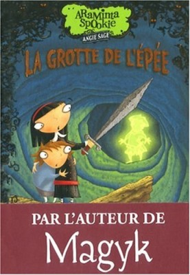 """Afficher """"Araminta Spookie n° 2 La grotte de l'épée"""""""