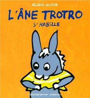 "Afficher ""L'âne Trotro n° 4 L'âne Trotro s'habille"""