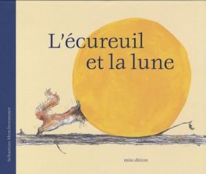 vignette de 'L'écureuil et la lune (Sébastien Meschenmoser)'