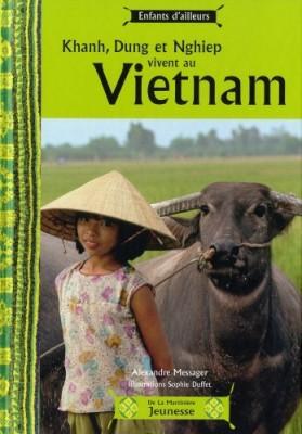 """Afficher """"Khanh, Dung et Nghiep vivent au Vietnam"""""""