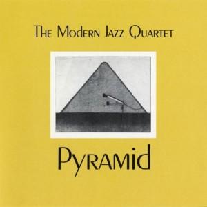 """Afficher """"Pyramid"""""""