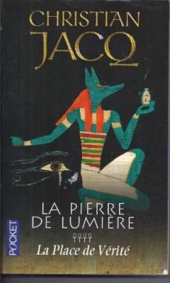 """Afficher """"La Pierre de lumière n° 1 Néfer le silencieux"""""""