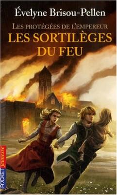 """Afficher """"Les Protégées de l'empereur n° 4 Les sortilèges du feu"""""""