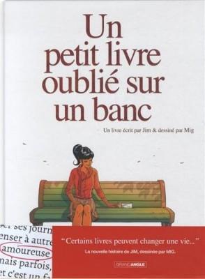 """Afficher """"Un petit livre oublié sur un banc n° 1"""""""