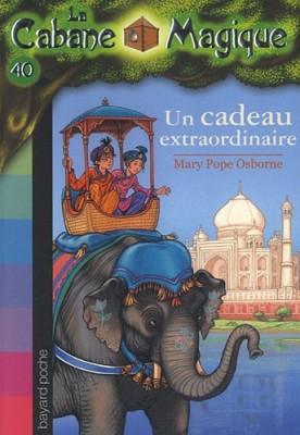 """Afficher """"La Cabane magique n° 40 Un cadeau extraordinaire"""""""