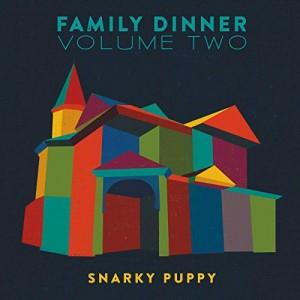 """Afficher """"Family dinner"""""""