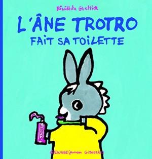 "Afficher ""âne Trotro (L') n° 11 L'âne Trotro fait sa toilette"""
