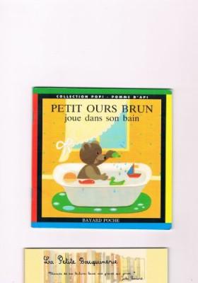 """Afficher """"Petit ours brun joue sans son bain"""""""