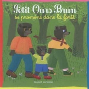 """Afficher """"Petit Ours brun Petit Ours brun se promène dans la forêt"""""""