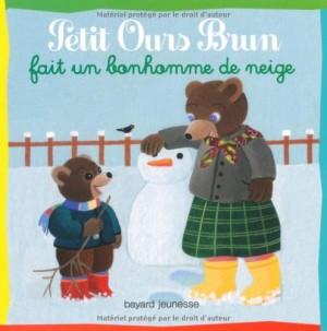 """Afficher """"Petit Ours Brun Petit Ours brun fait un bonhomme de neige"""""""