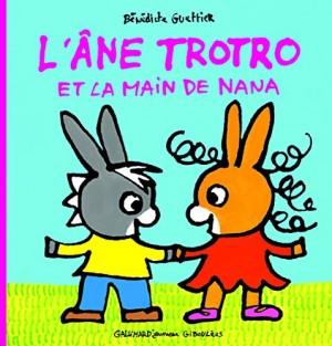 """Afficher """"L'âne Trotro n° 20 L'âne Trotro et la main de Nana"""""""