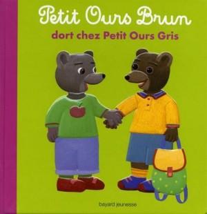 """Afficher """"Petit Ours brun Petit Ours brun dort chez Petit Ours gris"""""""