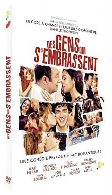 """Afficher """"Des Gens qui s'embrassent"""""""